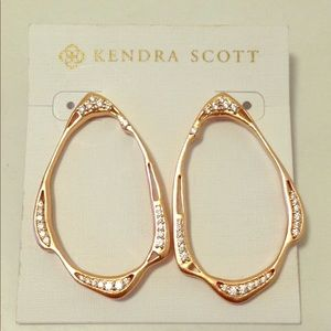 Kendra Scott Livi Stud Earrings in Rose Gold